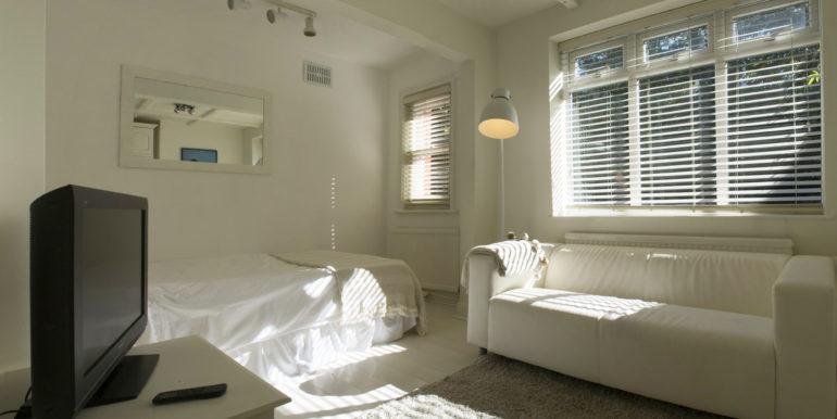 Studio Flat Bedroom 01