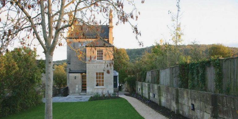 merton-lodge-rear-garden