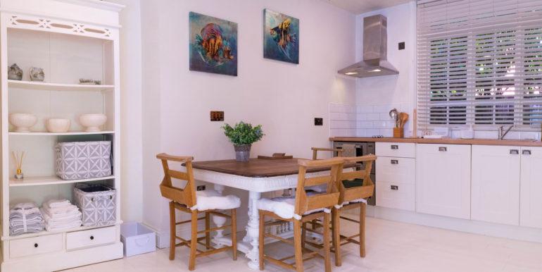 Studio Flat Kitchen 01